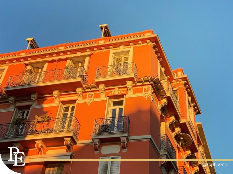 Vue d'un immeuble ancien à Monaco