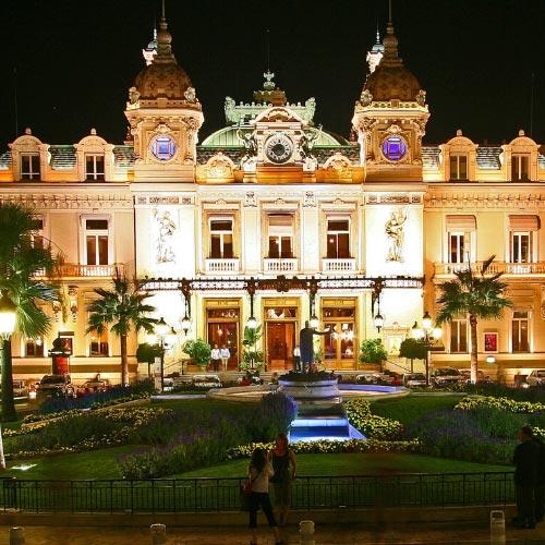 Place du casino de Monte-Carlo vue de nuit