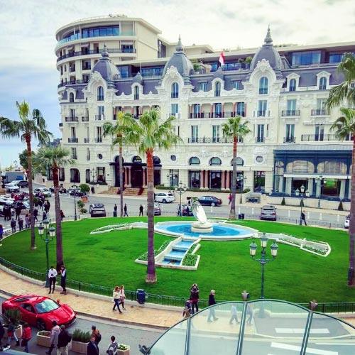 Fountain in the Casino of Monte-Carlo square